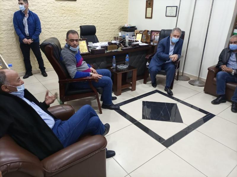 """السفير دبور يتابع التحضيرات لإفتتاح قسم """"كورونا"""" في """"مستشفى الهمشري"""""""