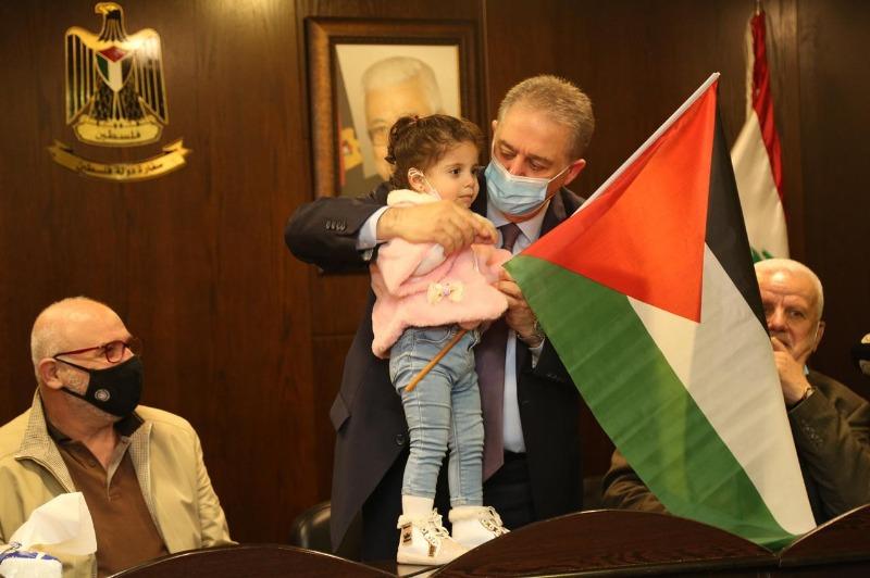 نازحون فلسطينيون من سوريا في سفارة فلسطين بؤكدون تمسكهم بالثوابت الوطنية