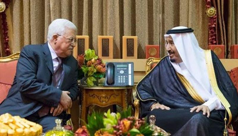 الملك سلمان يؤكد للرئيس عباس وقوف السعودية إلى جانب فلسطين
