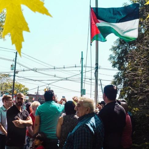 رفع العلم الفلسطيني على بلديتين أمريكيتين