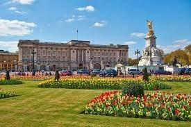 حدائق قصر الملكة إليزابيث تفتح ابوابها امام الزوار