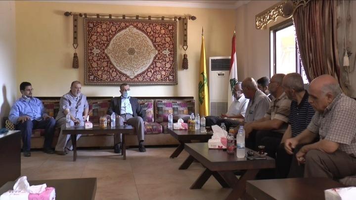 حسن عز الدين عرض مع وفد قوى التحالف الفلسطيني في صور وضع المخيمات