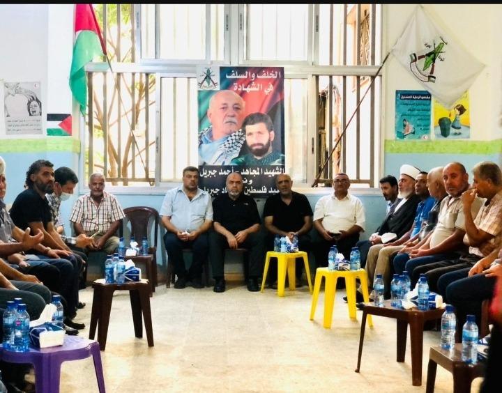 وفود عزت القيادة العامة برحيل أحمد جبريل في مخيم نهر البارد