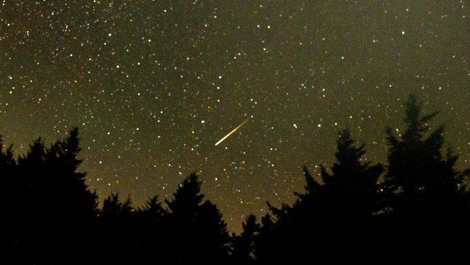 """""""ناسا"""" تدعو العالم لرفع راسه نحو الفضاء.. شهب """"البرشاويات"""" تضيء السماء ابتداء من الليلة"""