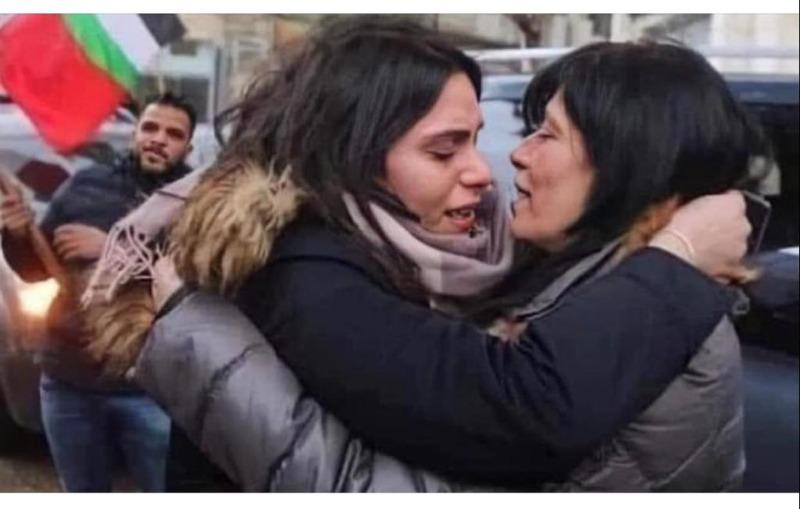 الاحتلال وجريمة منع النظرة الأخيرة بين خالدة جرار وابنتها سهى