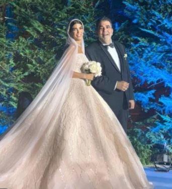 """بعد زفاف ابنته... نائبُ """"حزب الله """" يعتذر ويُعلّق أنشطته"""