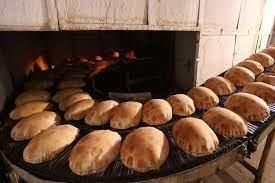 وزارة الاقتصاد تحدد سعر الخبز ووزنه