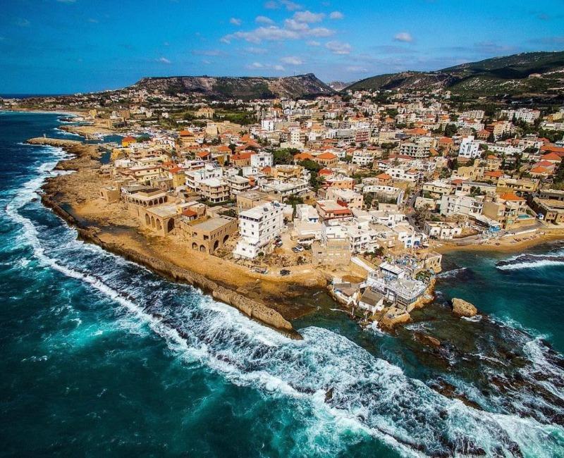 بترون السياحية.. البلدة الناجية من أزمات لبنان