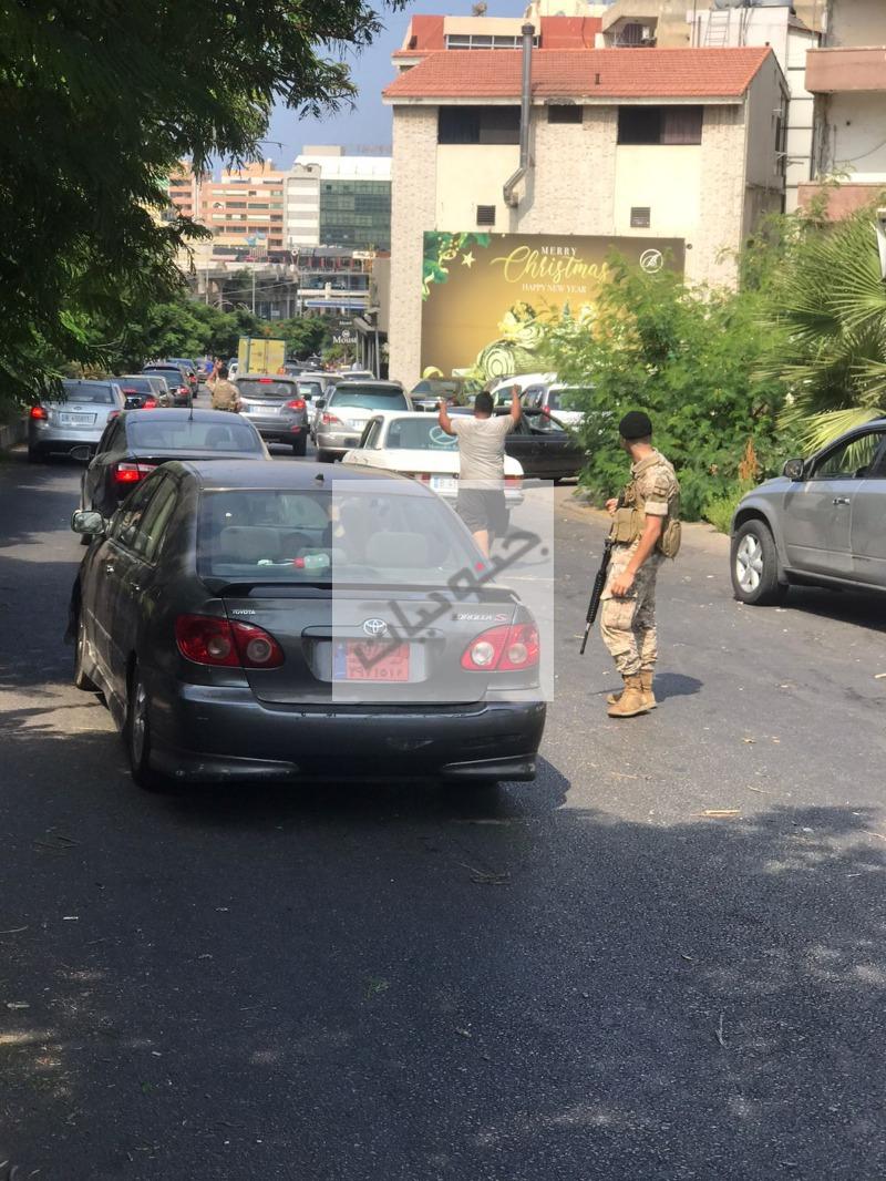 الجيش ينظم حركة المحطات في صيدا