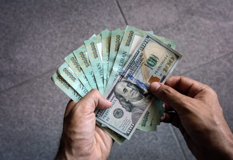 دولار السوق السوداء... كم سجّل اليوم؟